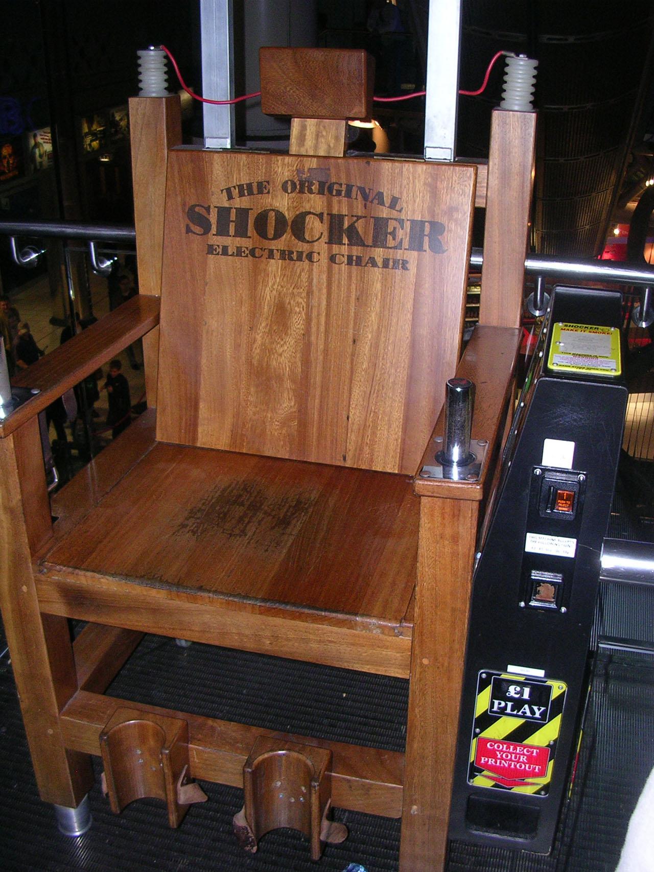 Une photo de londres par jour une chaise lectrique au london trocadero - Chaise electrique en france ...