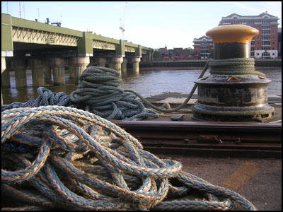 ropes river thames